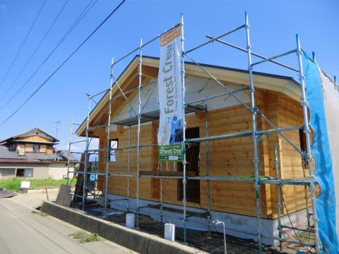 100坪の敷地に建つ北欧平屋住宅&サマーハウス(愛媛県 西条市 フォレストクルーログハウス)