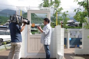 あいテレビ様によるTV取材と放映(低炭素住宅ログハウスへの取り組み)