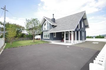 快適な北欧ログハウスの暮らし(愛媛県 北欧住宅 フォレストクルー)