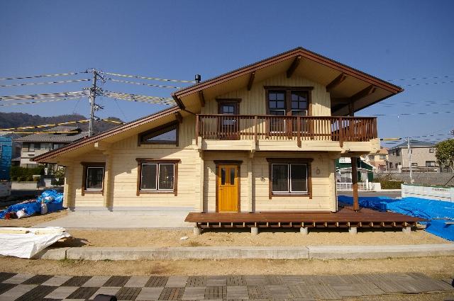 本当にいい家とは・・・同業者も感動する。(愛媛県松山市ログハウス建築現場にて)