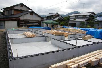 『北欧住宅』フィンランドログハウス組み上げスタート Made in LAPLAND(愛媛県西条市I)