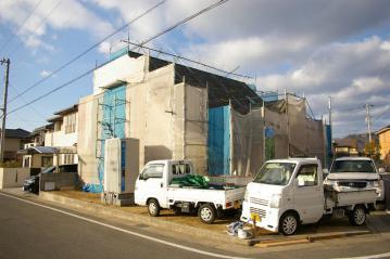 北欧住宅[Forest Villa] 外部塗装が始まりました~愛媛県東温市~