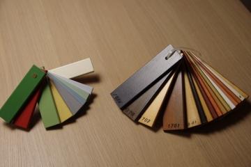 北欧スタイルログハウスのカラーリング&デザイン トリプルガラス木製ドア&木製窓