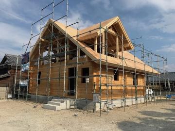 ログハウス構造躯体の木材使用量 在来構法 ツーバイ構法 ログハウス(丸太組み構法)比較