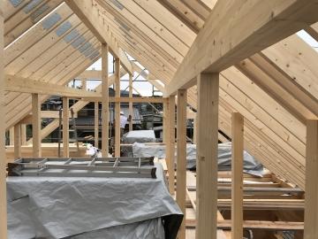 #ログハウスの屋根構造 #ログハウス棟上げ #頑丈な木造住宅の秘密