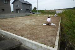 四国愛媛県東温市にて平屋ログハウスいよいよ着工(河のほとりに建つログ)