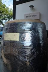 ログハウスに似合う雨水利用タンク(ウイスキー樽、松山市雨水利用補助金精度)
