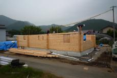 平屋のログハウスは地震に強い!? 水辺に建つ北欧住宅フィンランドログハウス~愛媛県西予市宇和町~