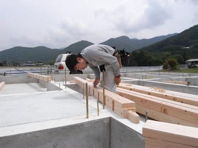 水辺に建つ北欧平屋ログハウス ~愛媛県西予市宇和町~