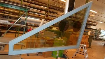 Made in Finland 高品質&高性能トリプルガラス木製窓&ドアの製造・梱包・チェック体制