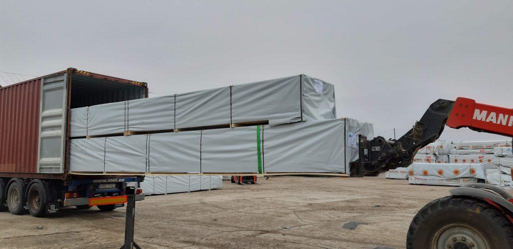 北欧ログハウス高松市分譲地建築 キット積込み コンテナ出荷 北欧から四国へ長旅