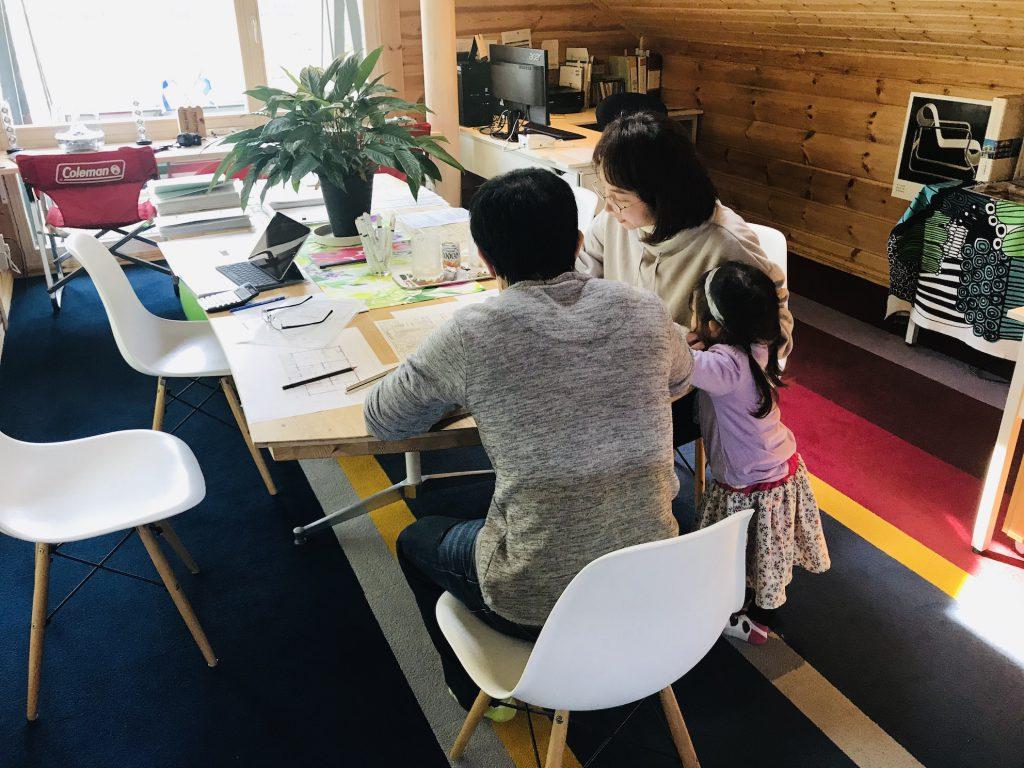 北欧ログハウス建築予約・申し込み好調です! 4年越しの夢の実現へ 愛媛県伊予郡砥部町 桜並木を眺めるログハウス